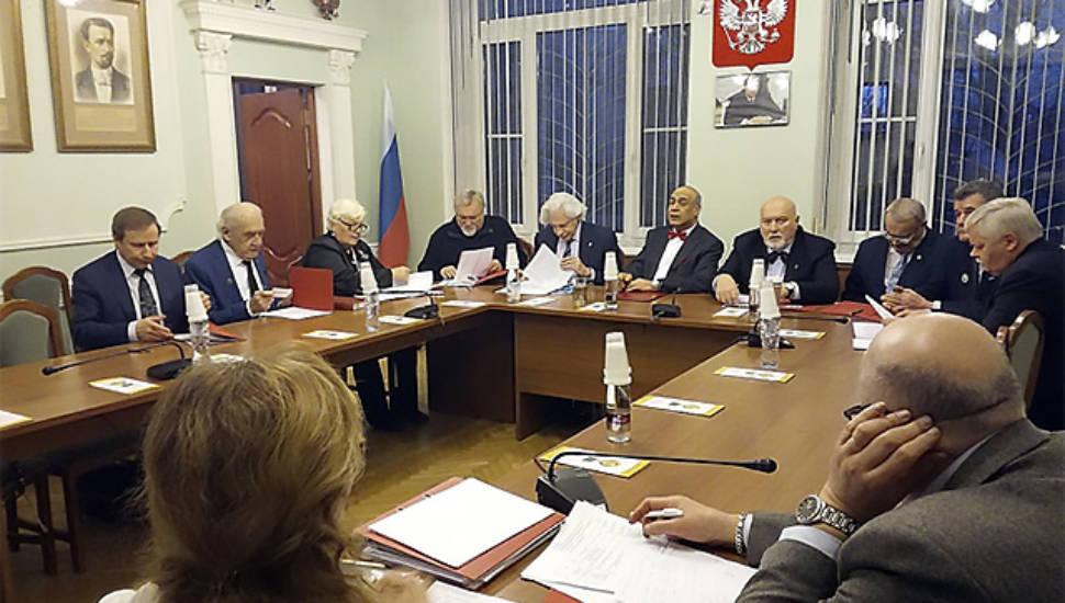 Комитет по награждению адвокатскими наградами имени Ф.Н. Плевако назвал лауреатов за 2016-2017 годы